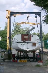 portique avec treuil pour réparation des bateaux
